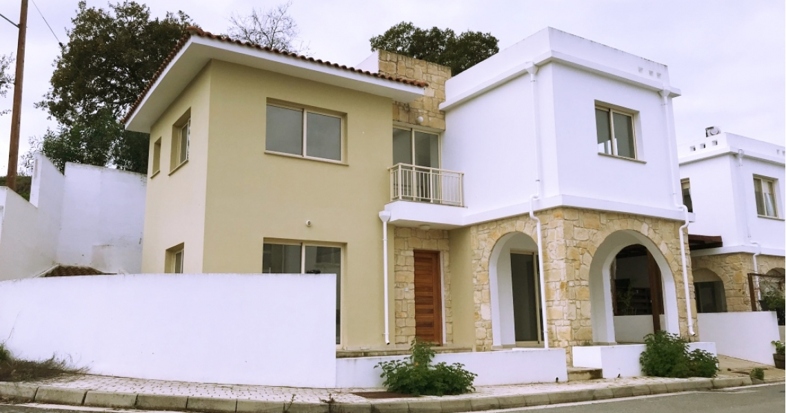 3 bed Villa for sale in Stroumbi, Cyprus for €190000 on Ubodo